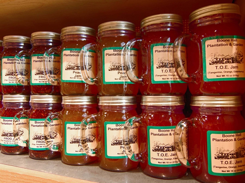 Mason Jar Jellies With Handles-800x600.jpg